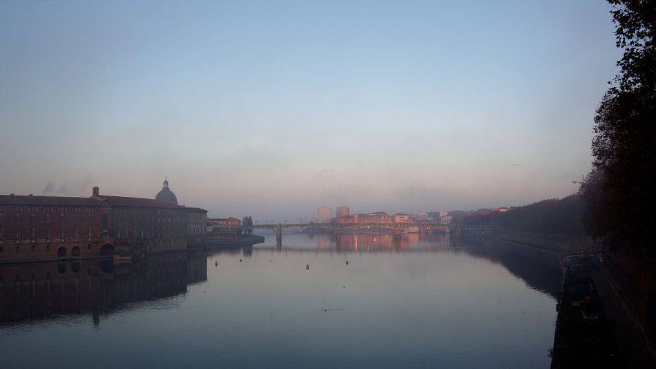Le Garonne from Le Pont Neuf, Toulouse. van Peter Zeedijk