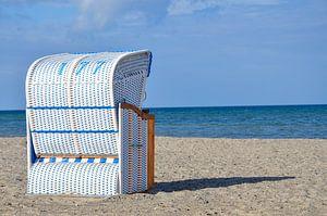 Strandstoel aan de kust van de Oostzee van LuCreator
