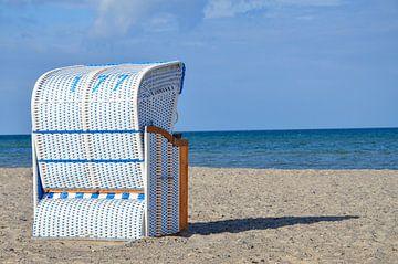 Strandkorb an der Küste der Ostsee von Luca Schmidt