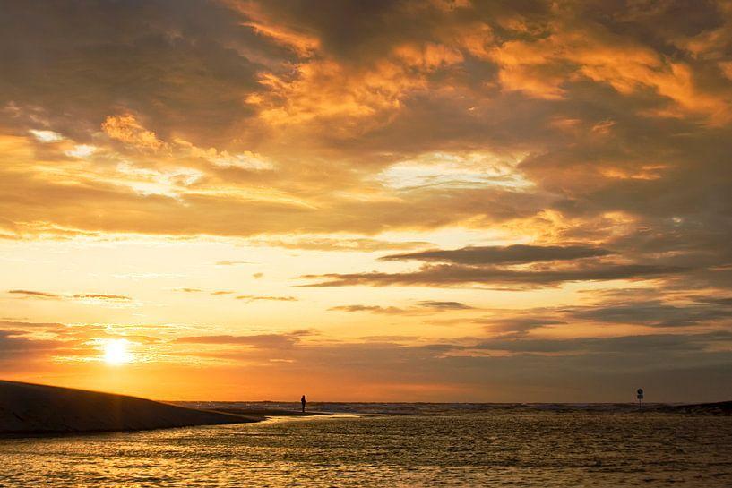 zonsondergang aan de watering van katwijk van Dirk van Egmond