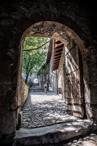 Doorgang in de Basiliek van Valeria