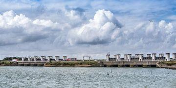 De Lorentsz sluizen in de Afsluitdijk aan de Friese zijde van Harrie Muis