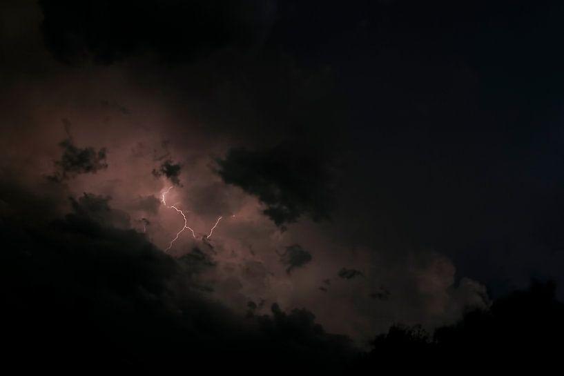 Lightning van Ruud van Oeffelen-Brosens
