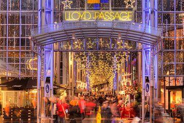 Einkaufspassage Lloydpassage bei Abenddämmerung, Bremen, Deutschland, Europa