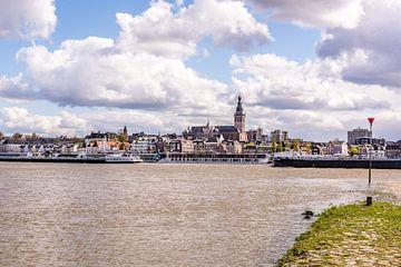 Nijmegen vanaf i-Lent van Henk Verheyen