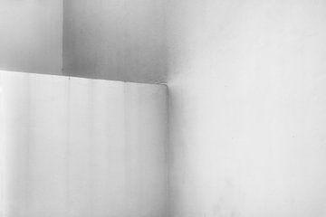 Drie betonnen muren van Jan Brons