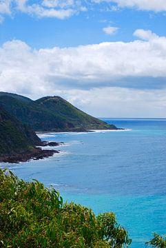 Das blaue Meer an der Great Ocean Road - Victoria, Australien von Maurits Simons