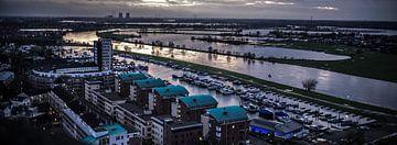 Avond Stadsuitzicht Roermond Limburg Nederland von Margriet Cloudt
