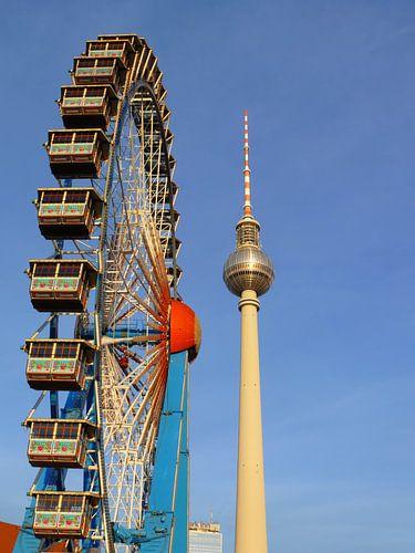 Ferris Wheel with Berlin TV Tower, Alex, Germany van Barbara Hilmer-Schroeer