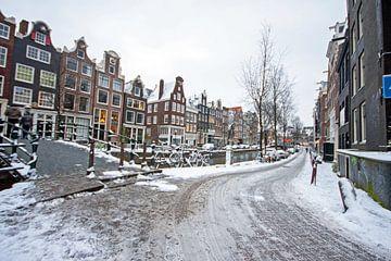 Das verschneite Amsterdam im Jordaan in den Niederlanden von Nisangha Masselink