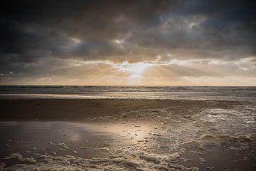 Zonsondergang in Zandvoort van Mascha Boot
