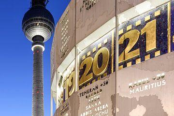 Fernsehturm und Weltzeituhr am Berliner Alexanderplatz von Frank Herrmann