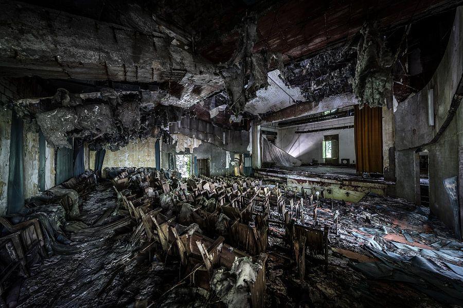 Verlaten theater van Inge van den Brande
