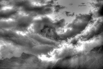 Matterhorn, zwart-wit, wolken, Zermatt, Zwitserland van Torsten Krüger