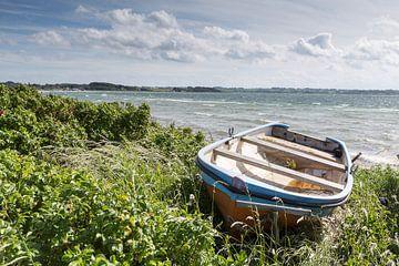 Boot in den Dünen auf Aerö von Matthias Nolde