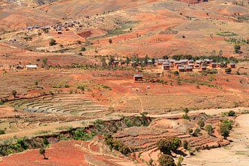 Madagaskar dorpje van Dennis van de Water