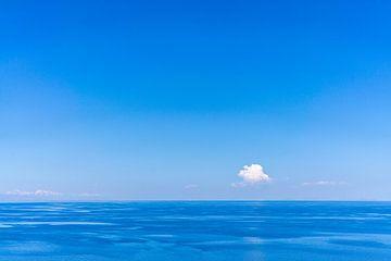 Eenzame wolk van Joost Potma