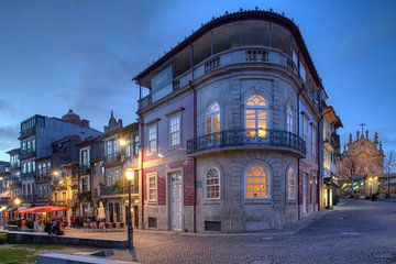 Platz Campo dos Martires da Patria bei  Abenddämmerung, Porto, Distrikt Porto, Portugal, Europa