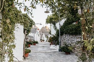 Malerische Trulli-Häuschen in Alberobello, Italien von Stephanie Egberts