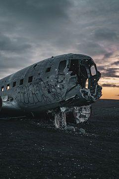 Flugzeugwrack von Sólheimasandur II von Colin van Wijk
