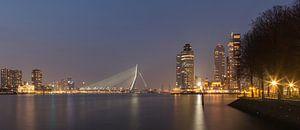 Zicht op Erasmusbrug en kop van Zuid in Rotterdam.