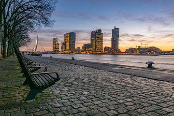 Rotterdamer Skyline, Sonnenaufgang mit Blick auf den Kopf des Südens von Erik van 't Hof