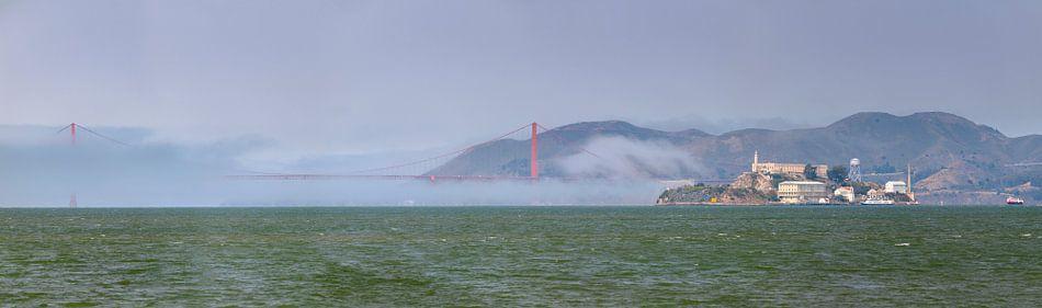 Grand Panorama - Golden Gate Bridge, Alcatraz van Remco Bosshard