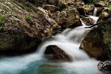 Rivière sauvage dans les gorges de la Tscheppa