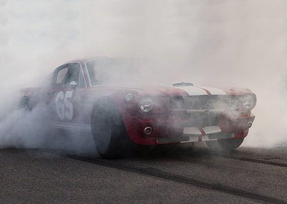 Mustang burnout van marco de Jonge