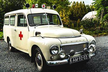 Volvo Oldtimer Krankenwagen von Abraham van Leeuwen