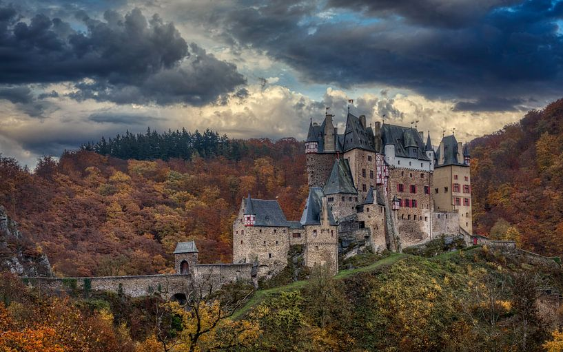 Eltz Castle - Burg Eltz van Mart Houtman