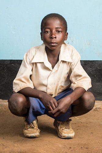 Een leerling lagere school in Tanzania