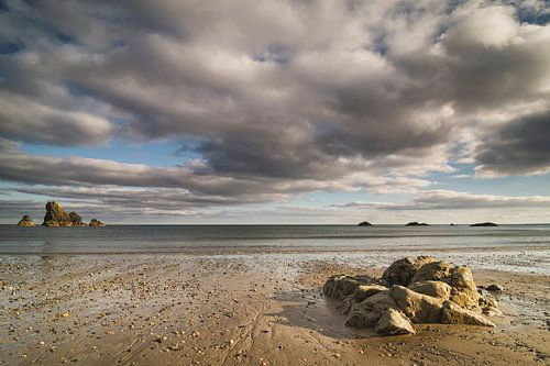 Een strand in zuid Ierland van