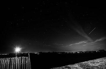 Uitzicht over het Veerse meer in het donker. van Hartsema fotografie