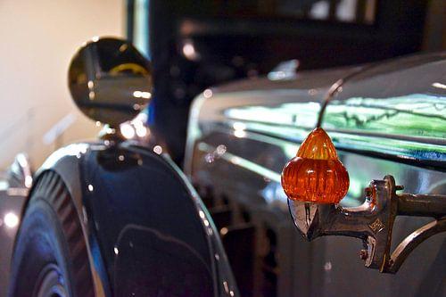 Klassieke auto in detail, de Marmon sixteen van