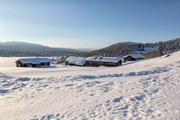 Hütten im Schnee von Angelika Stern