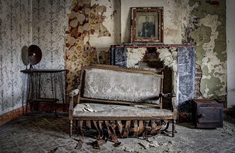 take a seat van Anya Lobers