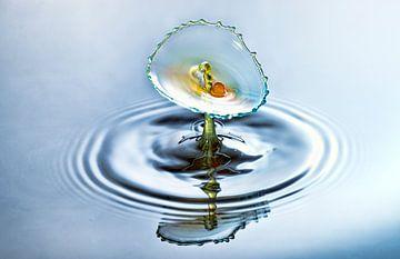 Waterdruppel splash in drie kleuren van Focco van Eek