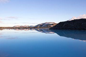 Blue Lagoon van Margo Smit