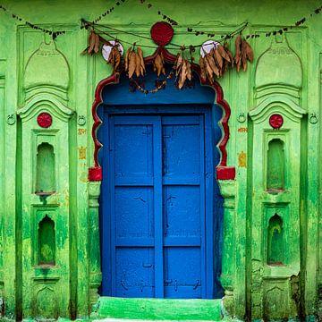 Grüne Fassade in Orccha, Indien von Theo Molenaar