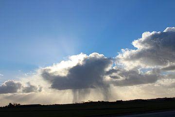 Donkere wolken in Noord-Holland van Elisabeth Eisbach