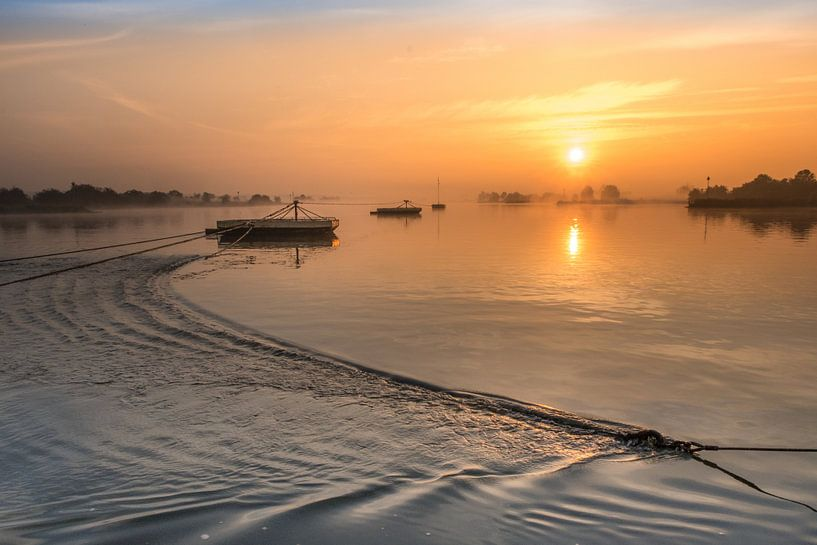 Gierponten bij zonsopkomst van Moetwil en van Dijk - Fotografie