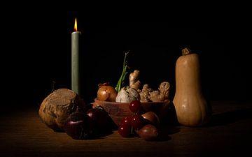 Stilleben mit Kürbis und Kerze von Jurgen van Hest
