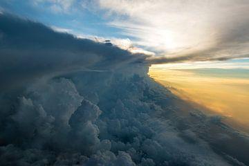 Wolkenmuur 2 van Denis Feiner