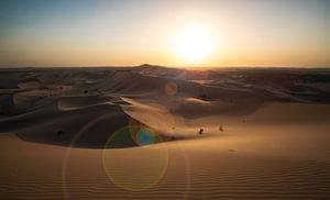 Zonsondergang in de woestijn van