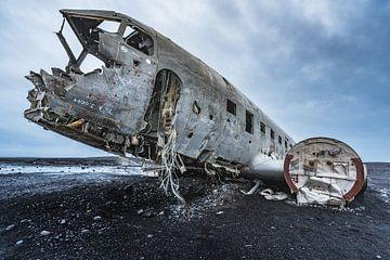 Abandoned DC3 wreckage (3) van