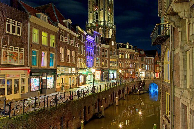 Gracht Utrecht met Domtoren (  Oudegracht ) van Anton de Zeeuw