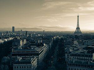 Skyline van Parijs in sepia van Martijn Joosse