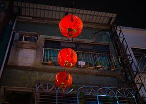 Rode Chinese lantaarns in de straten van Taipei