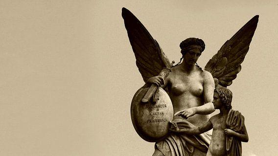 Engel en kind (Angel and Child) van Roelof Broekman